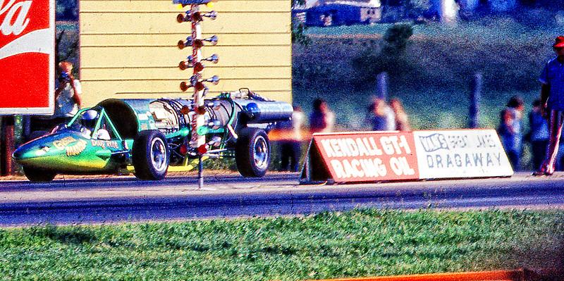 DRAG RACER .jpg