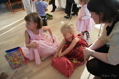 Elín Freyja 2ja ára 7. október 2007 (í alvöru 4. október)