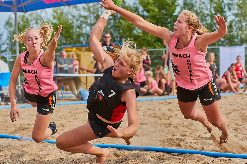 Molecaten NK Beach Handball 2017 dag 1 img 376.jpg