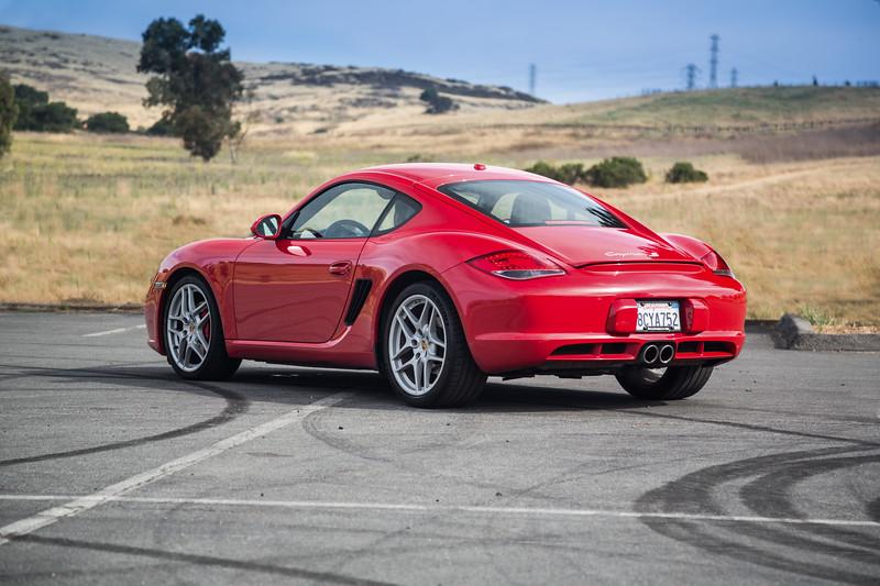 Porsche_CaymanS_Red_8CYA752--6.jpg