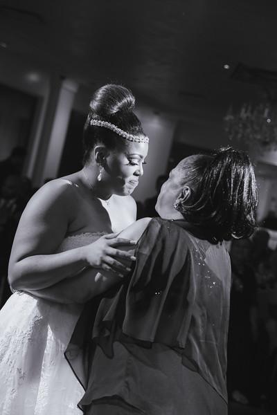 MER__0917_tonya_josh_new jerrsey wedding photography.jpg