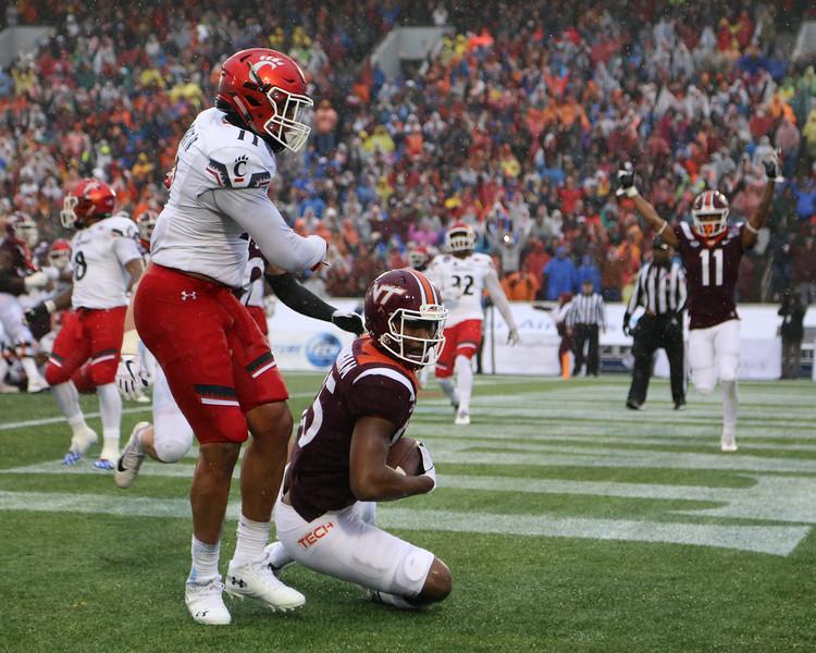 Virginia Tech tight end #85 Chris Cunningham makes a touchdown catch in the endzone