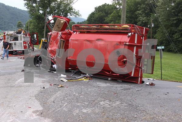 Fire Truck Wreck on River Hill - June 2011