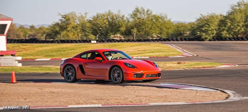 Porsche-718-Cayman-S-4932.jpg