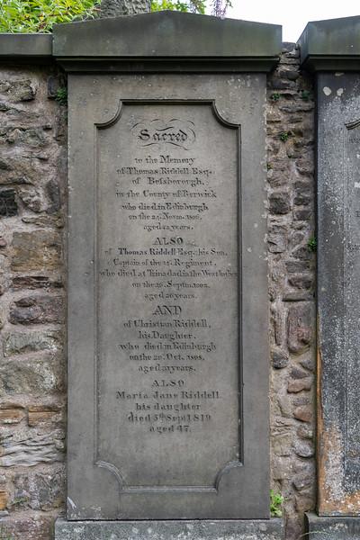 Grave of Tom Riddell in Edinburgh