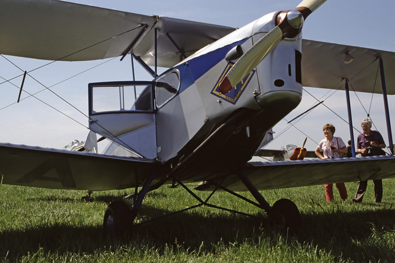 G-ACEJ-DH-83FoxMoth-Private-EGLM-1998-05-16-EW-01-KBVPCollection.jpg
