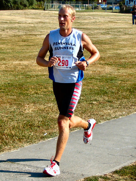2005 Cadboro Bay Triathlon - Cyrena Timmins was 3rd in the kids 1K