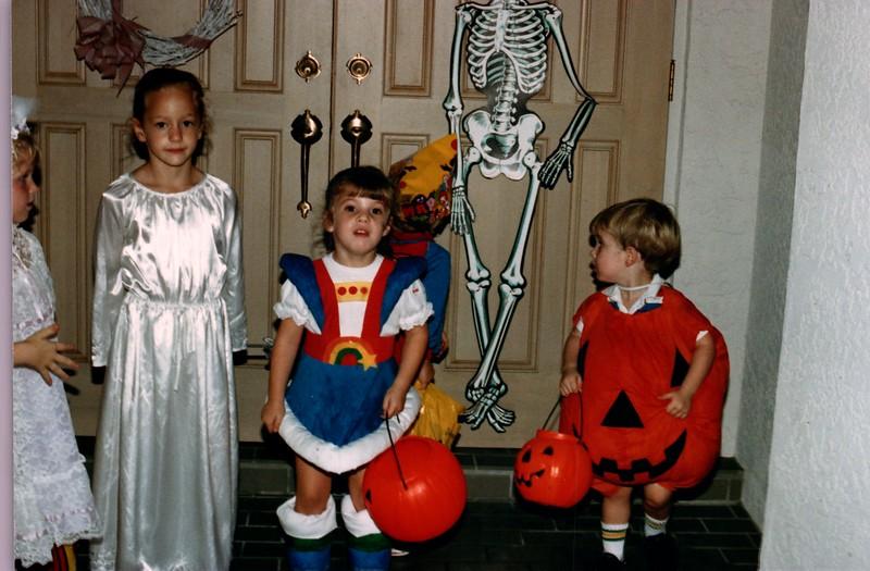 1986_Fall_Australia,_Hawaii_and_Halloween_0022_a.jpg