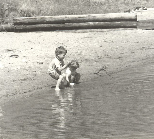 Chuck_and_Paige_on_beach_at_Tomahawk_84.jpg