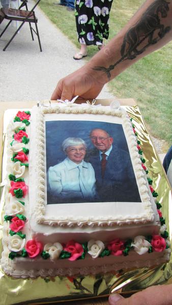 Anniversary cake by Sue Kezo