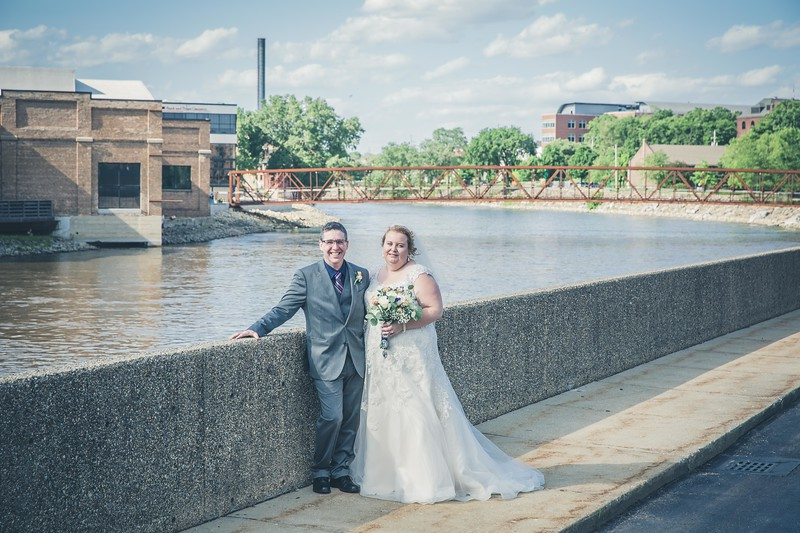 Beloit-WI-Ironworks-hotel-Wedding-Photographere_m_67.jpg