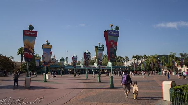 Disneyland Resort, Disneyland, Disney California Adventure, Main Entry Plaza
