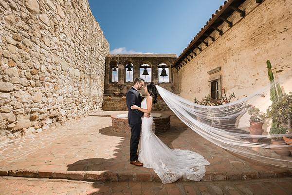 Plaza De Magdalena | San Juan Capistrano Wedding | Elise and Chris |