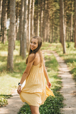 2020-08-05 - ANNA BARRETT SENIOR PICS
