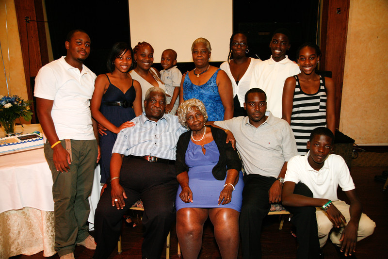 Edouard Family Reunion-3760.jpg