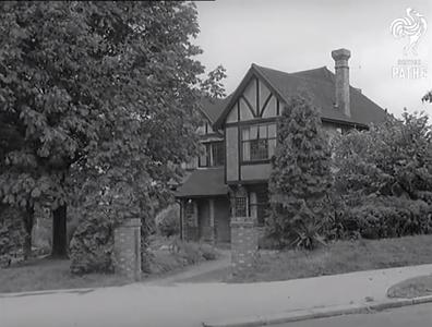 Suburban House (Ruth & Seretse)