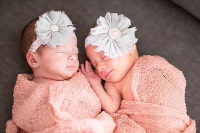 Greta + Mara Newborn