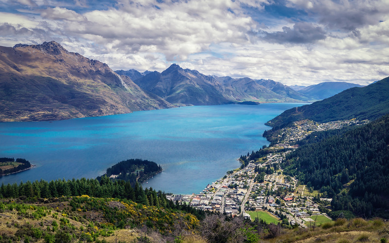 queenstown-hill-new-zealand.jpg
