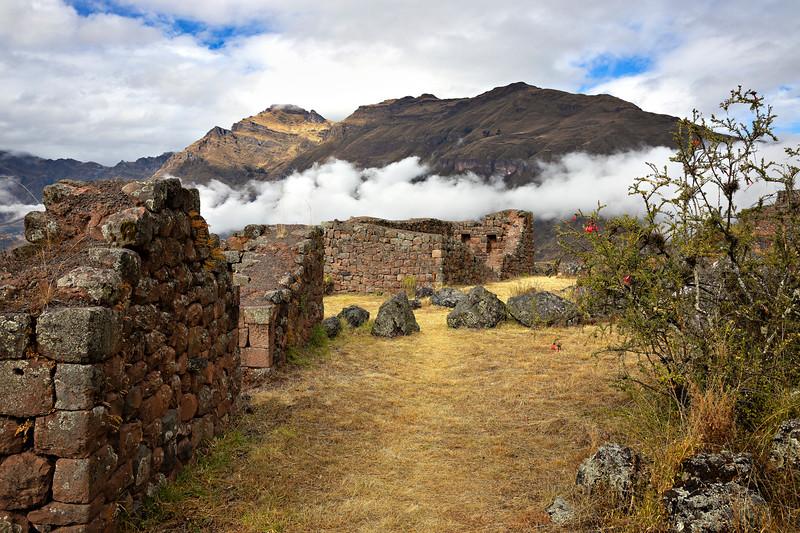 709 Inca fortress ruin