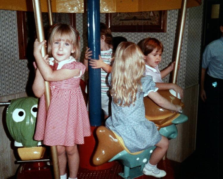 1984_November_Maren_Birthday_and_Christmas_photo__0015_a.jpg