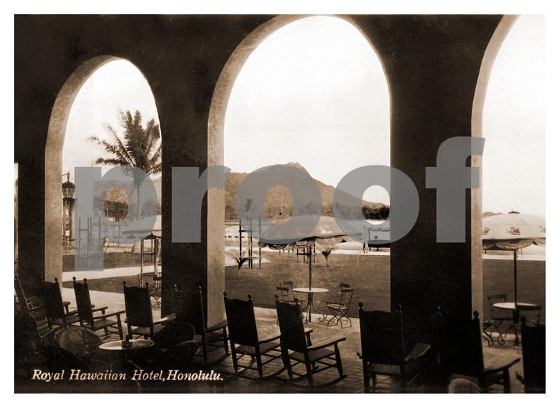 270: 'Royal Hawaiian Hotel, Honolulu' Postcard. Ca 1920. (PROOF watermark will not appear on your print)