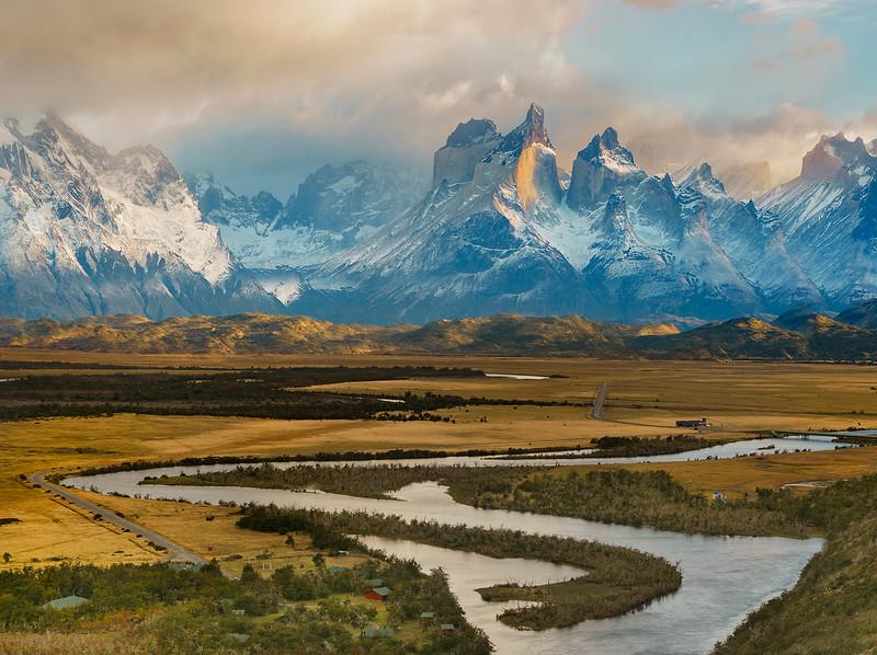 Los_Cuernos_river-web.jpg