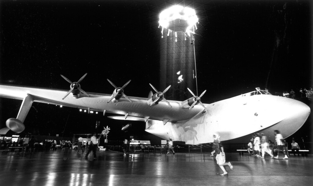 . The Spruce Goose, a longtime Southland tourist attraction in Long Beach.  (8/11/92)   Los Angeles Daily News file photo
