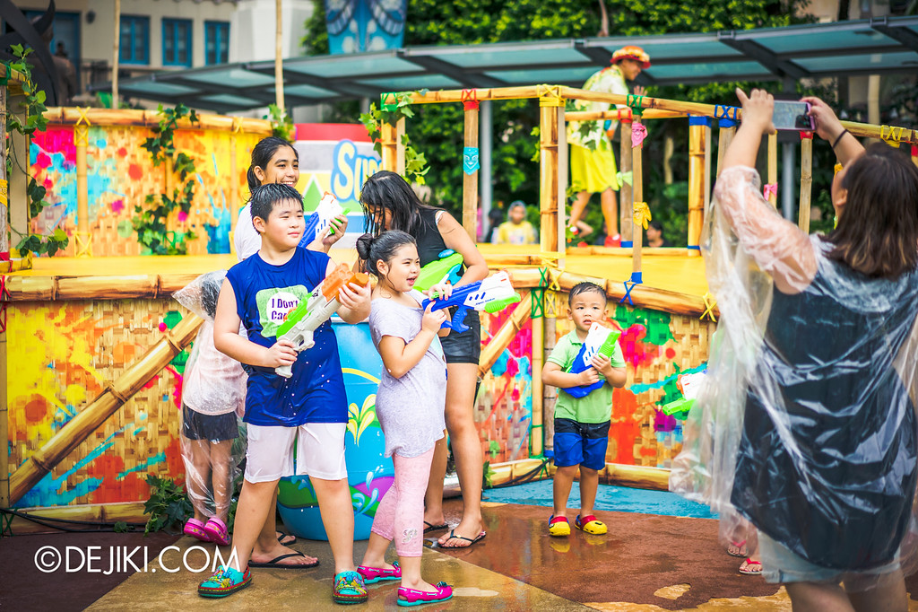 Universal Studios Singapore - Park Update May 2016 / Universal Studios Singapore Soak Out - Water Refills