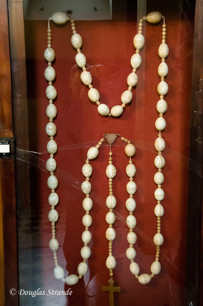 Eggshell rosary in St. Stephen's Cathedral, Budapest