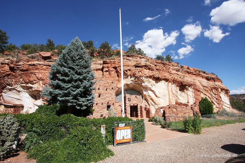 Kanab - Moqui Cave - KCOT.jpg