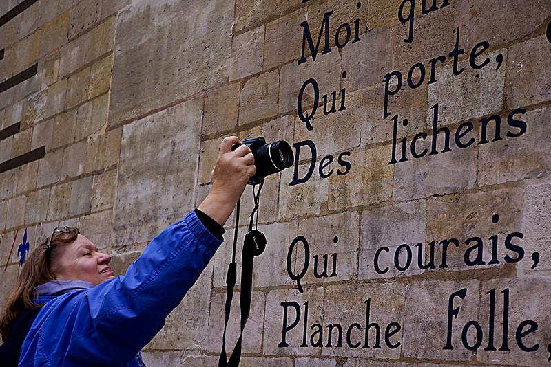 Paris  Jill at wall 01115.jpg