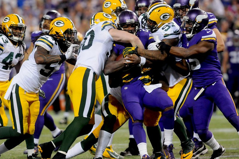 . <p><b> Vikings at Cowboys (-10½):</b> <p>Minnesota running back Adrian Peterson, in a generous show of gratitude, bought his offensive linemen new snowmobiles last week. AP�s blockers thanked him Sunday night by letting every member of the Green Bay defense ride him. <p>Pick: <b>Cowboys by 14</b> <p>    (Pioneer Press: Sherri LaRose-Chiglo)