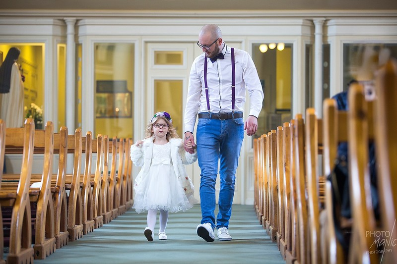 photomanic-photography-leeds-kids-girl-photoshoot-christening-3.jpg
