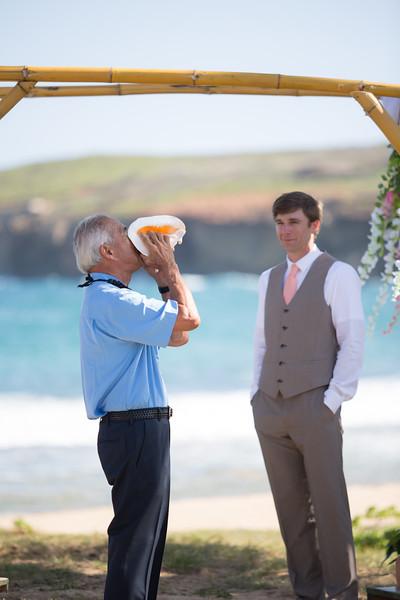 gillin beach kauai wedding-59.jpg