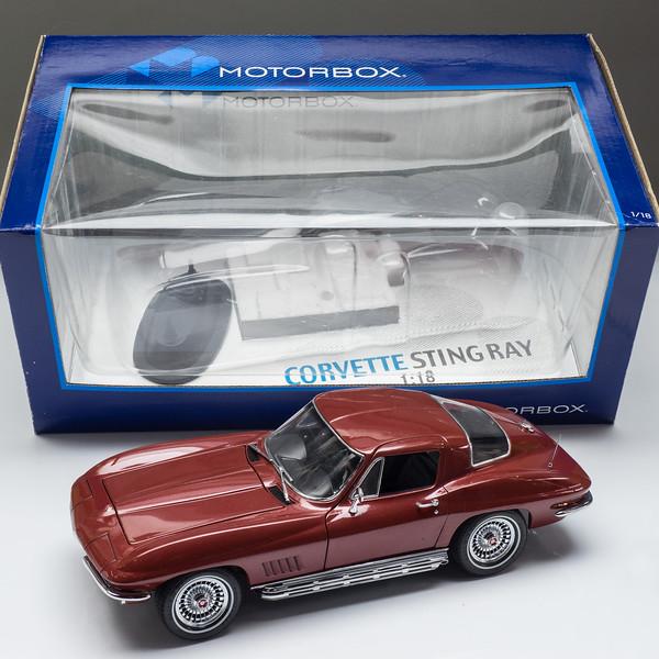 Motorbox-67-Corvette-9.jpg