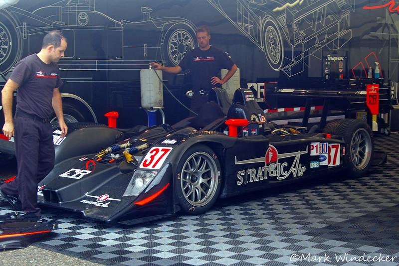 P1-Intersport Racing Lola B06/10- AER