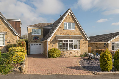 19. 4 Hightown View WF15 8BY