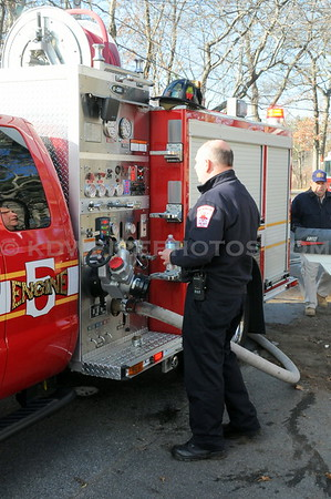 Wilmington, MA - Working Fire - 20 North St - 12/6/12