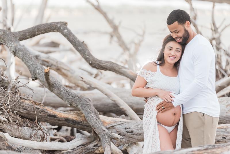 ELP1007 Kelly & Javonte Big Talbot Island maternity 117.jpg