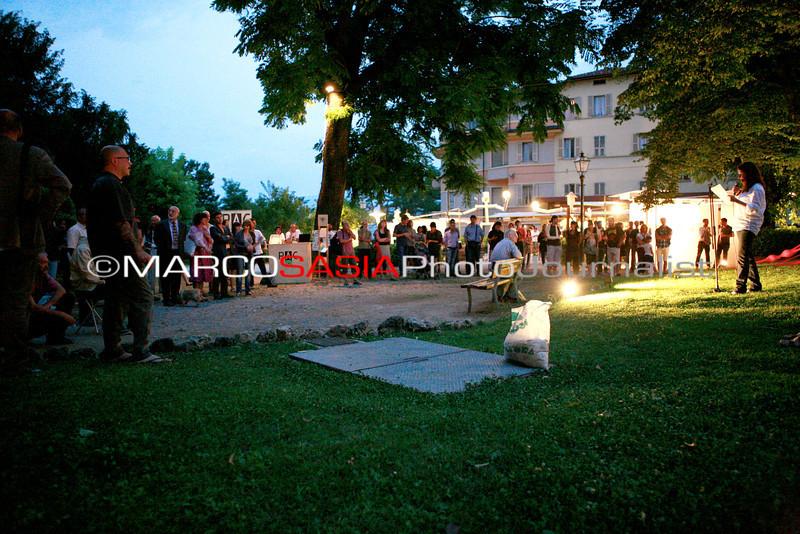 0190-zooart-01-2012.jpg