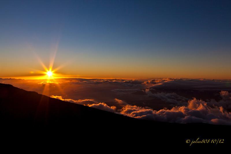 HaleakalaSunset101312-1.jpg