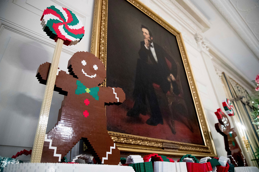 ". ""Gingerfriends\"" made of LEGOs are displayed in the State Dinning Room at the White House during a preview of the 2016 holiday decor, Tuesday, Nov. 29, 2016, in Washington. (AP Photo/Andrew Harnik)"