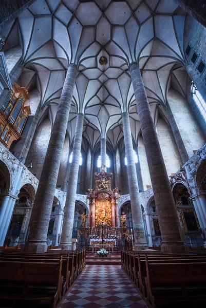 Franziskanerkirche-Vertical.jpg