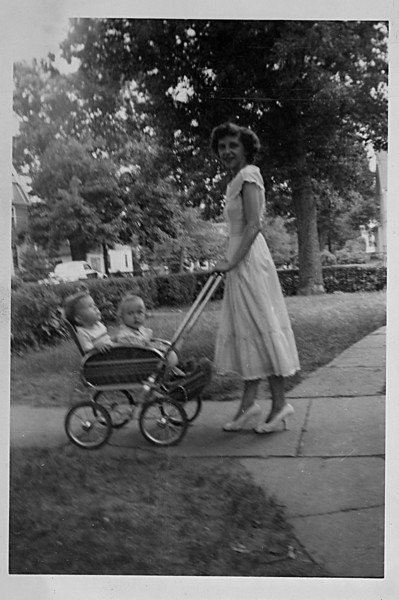 Roberta_Tom_Kathy_1949.jpg