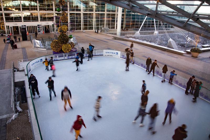010220_IceSkating-065.jpg