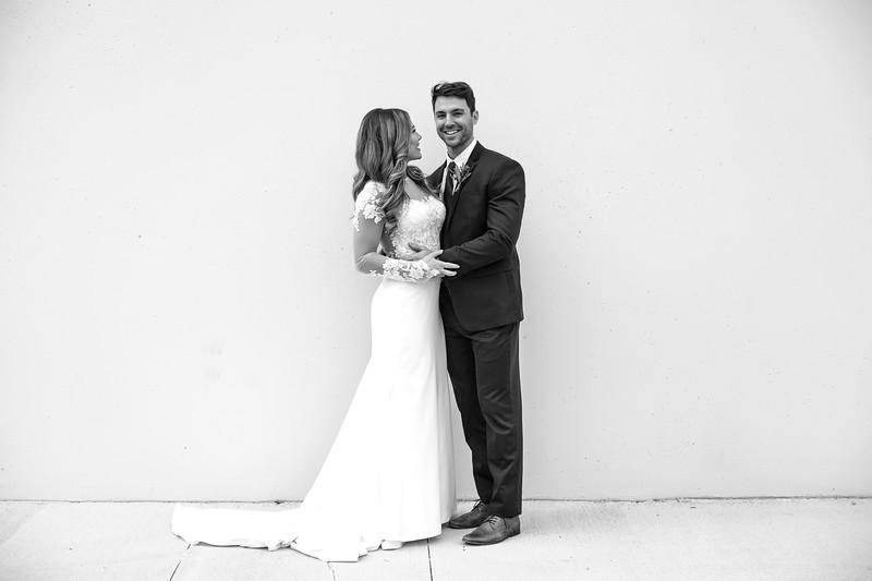 Kate&Josh_B&W_ZACH.WATHEN.PHOTOGRAPHER-212.jpg