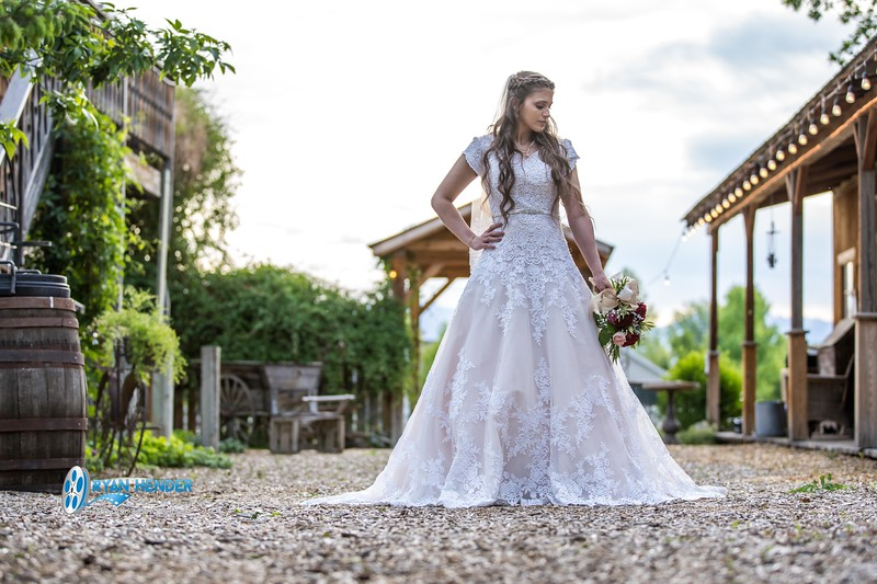 barbwire and lace bridal photo shoot brooklyn -112.jpg