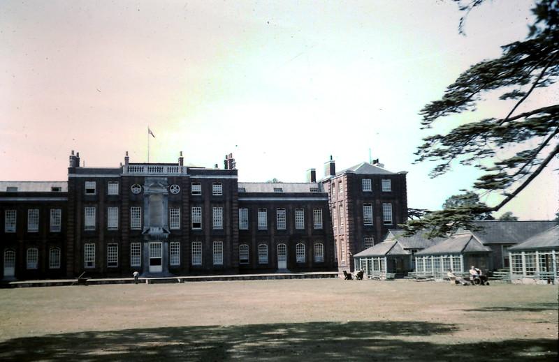 1959-5-29 (26) Roehampton Hospital.JPG