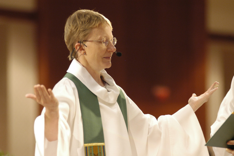 Pr. Shelley Wickstrom (Boseman, Mont.) presided at Thursday's worship service.