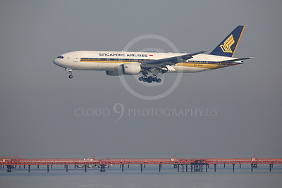 Singapore Airline Boeing 777 Airliner Pictures